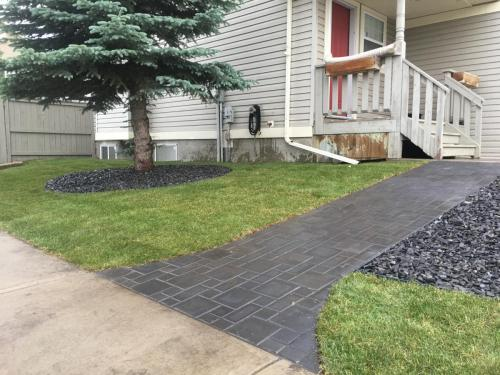 Charcoal Holland patterned paver pathway